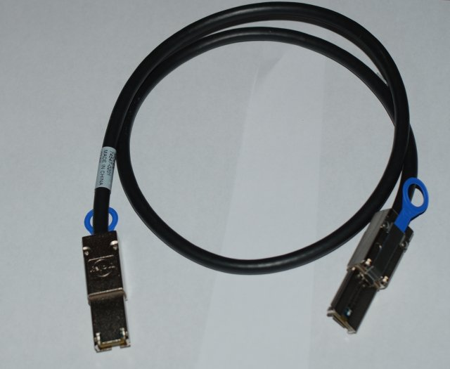 0.5M HP 407344-001  External MiniSAS Cable SFF-8088 to SFF-8088